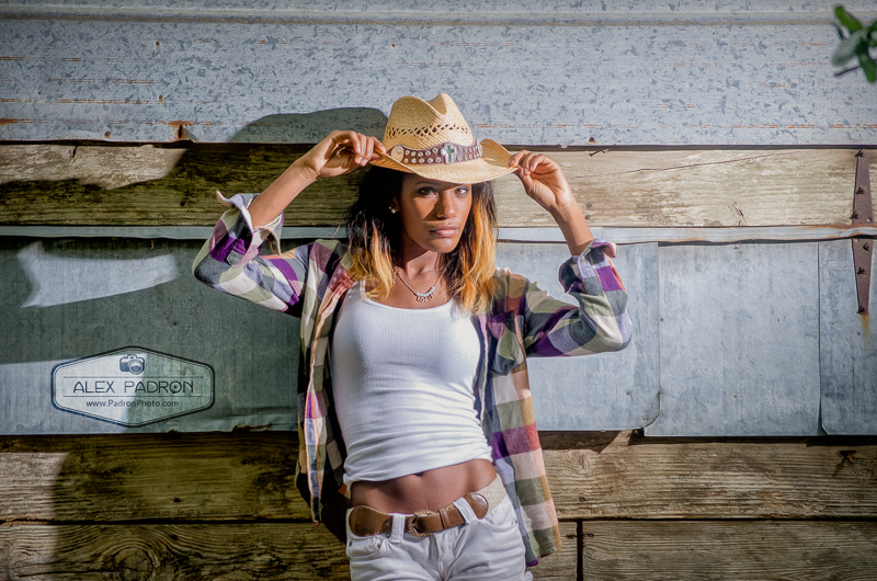high school senior country shoot in side of building