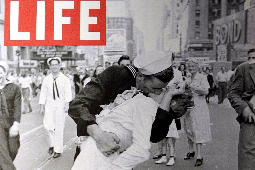 sailor-kiss